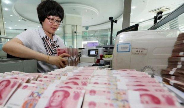 Китайских работниц банка били за плохие результаты тренинга