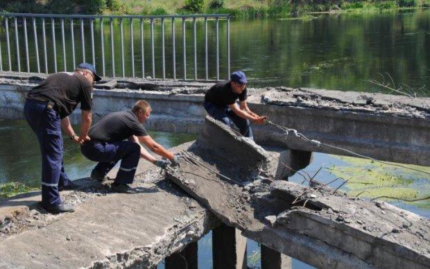 Обвал на Керченському мосту: кількість жертв невпинно зростає