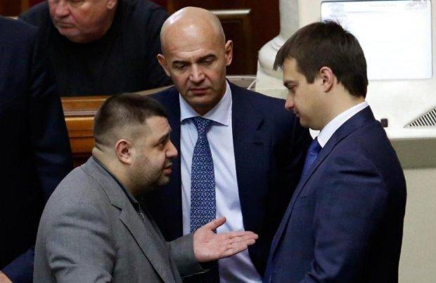 """Рада оновилась на 80%: які відомі і скандальні нардепи """"пролетіли"""" на парламентських виборах"""