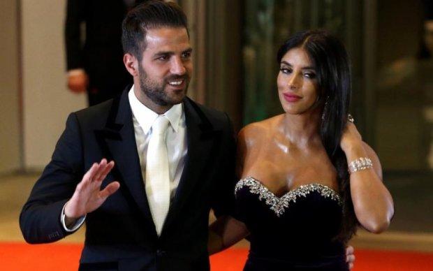 Дружина Фабрегаса вразила своїм декольте на весіллі Мессі