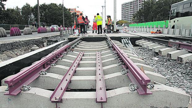 """""""Можем не успеть"""": запуск обещанного Кличко трамвая на Борщаговском мосту под угрозой срыва"""