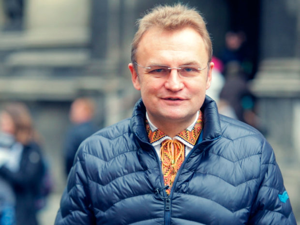 """Ректорат УКУ відповів на """"модний стайл"""" Садового: просто одягнися"""