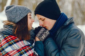 Еротичний гороскоп на 12 лютого для всіх знаків Зодіаку: кому доведеться поборотися за партнера