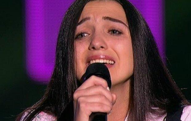 """Співачка з Прикарпаття виконала кавер на пісню The Hardkiss: """"Кобра танцює на ножах"""""""