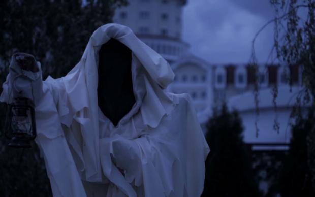 Трансляция из старинного отеля заставит вас поверить в призраков: видео