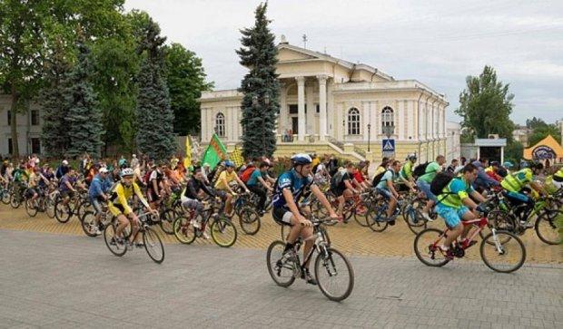 Одесити влаштували велопробіг по місту (фото)