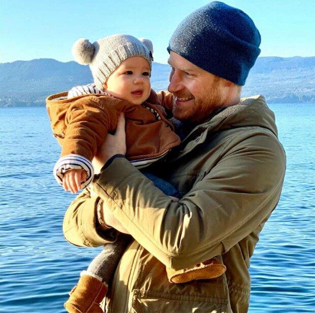 Принц Гарри и его сын Арчи, фото: eonline.com