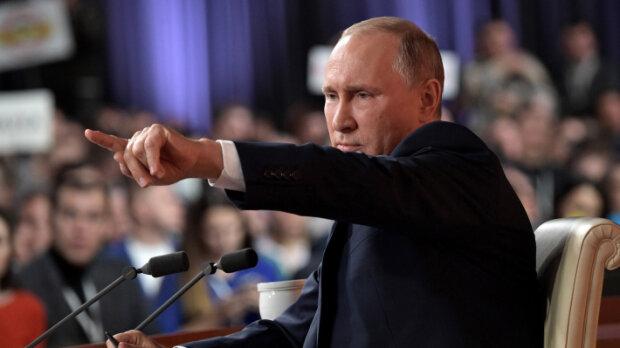 ″Свиня антисемітська″: Путін облив брудною лайкою посла Польщі