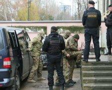 захоплені українські моряки