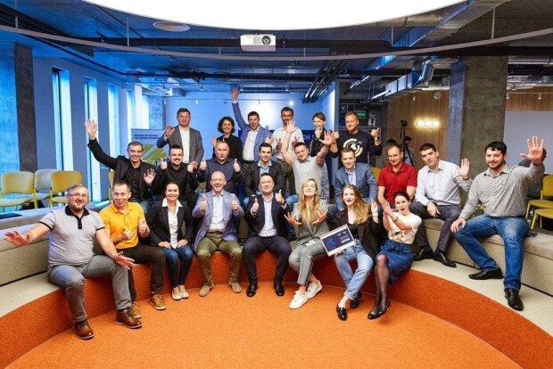 Команда Innovation DTEK та Український фонд стартапів (USF)