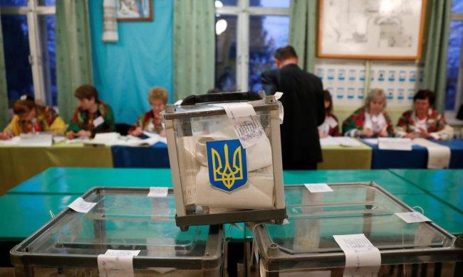 Явка в Киеве зашкаливает: горожане атаковали избирательные участки, - очереди, как за колбасой