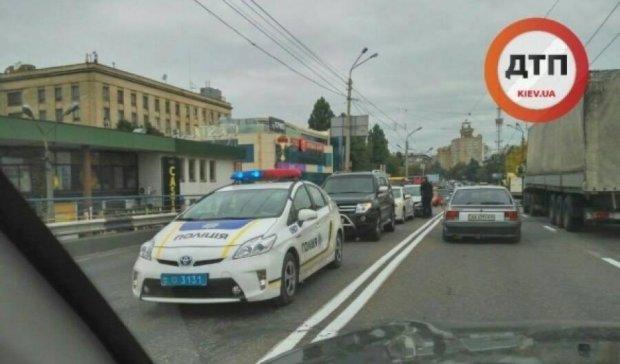 У Києві сталася потрійна аварія