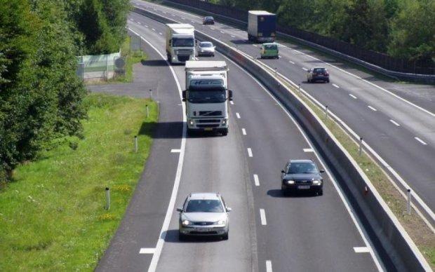 Відеофіксація не допоможе: українців попередили про небезпеку на дорогах