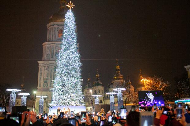 """Столиця готується до Нового року, українцям розповіли, як виглядатиме головна ялинка: """"На німецький лад"""""""