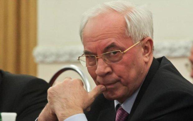 Генпрокуратура судитиме Азарова заочно