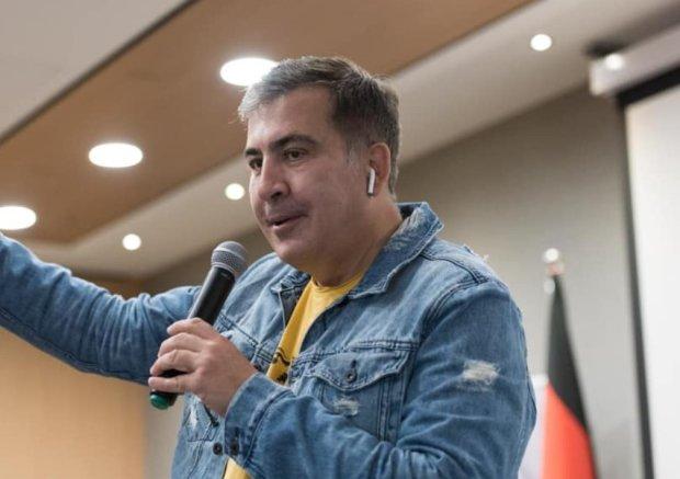 Саакашвили поддержал Зеленского в отмене указов Порошенко: они не Конституция