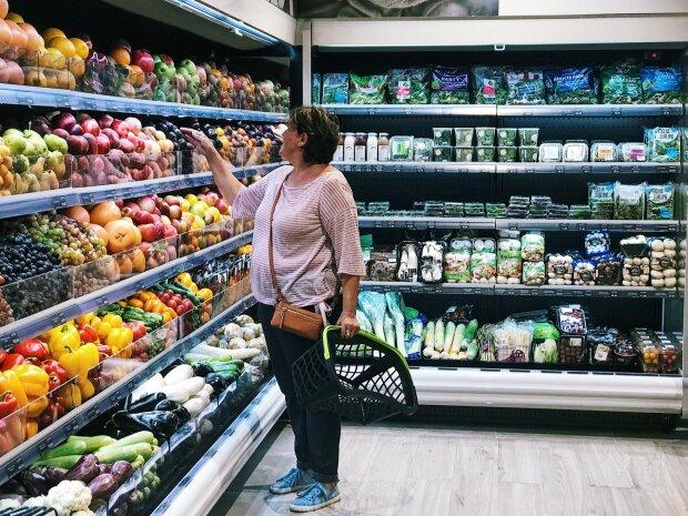 """В Одессе женщина приобрела мясо с """"комплиментом"""" от заведения: """"Он тоже есть хочет"""""""