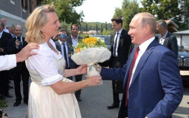Величезна несподіванка: глава МЗС Австрії розкрила секрет танцю з Путіним