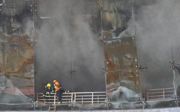 Масштабный пожар в Лондоне: очевидцы показали первые фото
