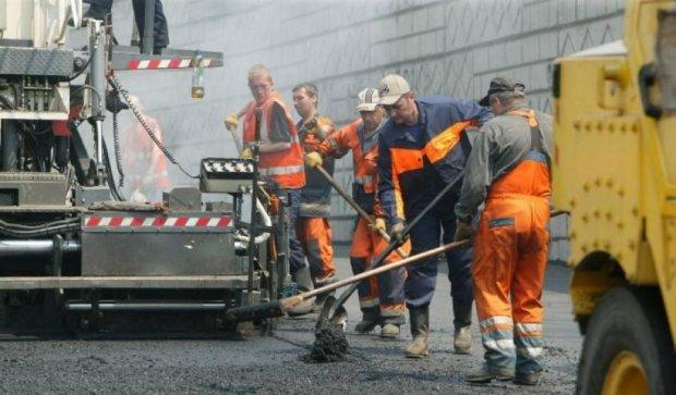 Масовий ремонт доріг паралізує столицю