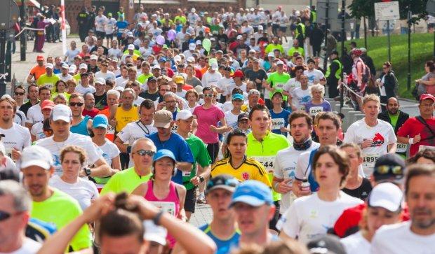 Пробежать 42 км вслепую: несокрушимые украинские военные будут участвовать в марафоне морпехов в США