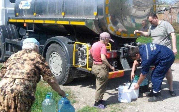 Новый обстрел боевиков вновь оставил Донбасс без воды: теперь надолго