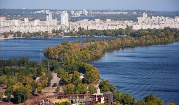 В Киеве квартиры стали дешевле, чем за городом