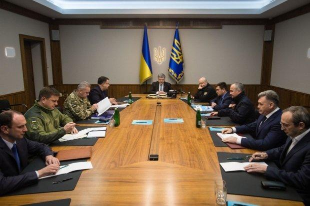 Военное положение в Украине: у Турчинова созывают экстренное заседание