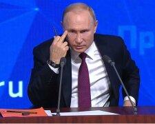 Путін показує нецензурний жест, фото - Newstube.Ru