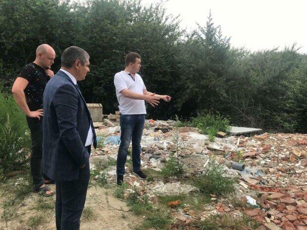 Львовщину по горло завалили горами отходов и мертвых тел – вонь на всю Украину