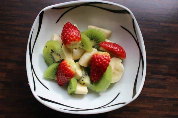 Смачно, корисно та швидко - три найпростіших рецепти з сиру та фруктів для дитячого сніданку