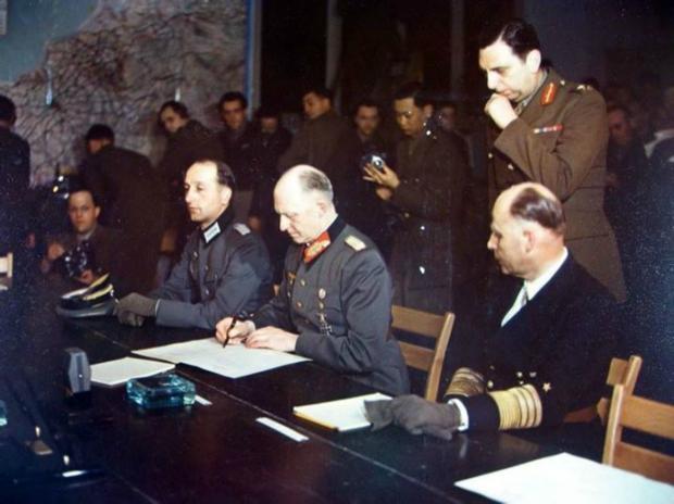 подписание Акта военной капитуляции Германии.