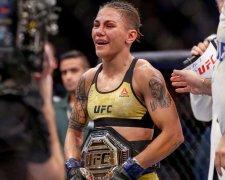 Джессіка Андраде стала новою чемпіонкою UFC в мінімальній вазі