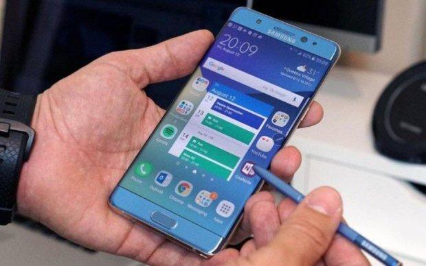 Samsung отложила свой флагман на осень