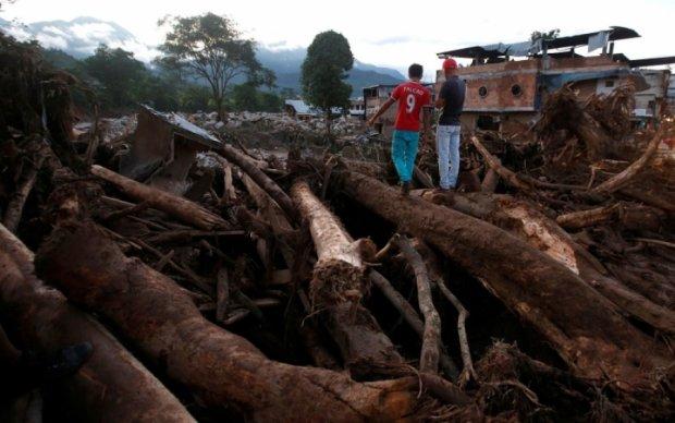 Число жертв оползня в Колумбии превысило три сотни