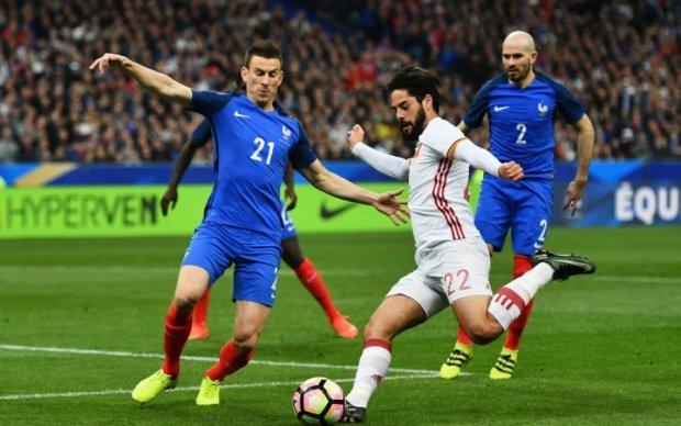 Товарищеские матчи: Испания одолела Францию, Португалия дома проиграла шведам