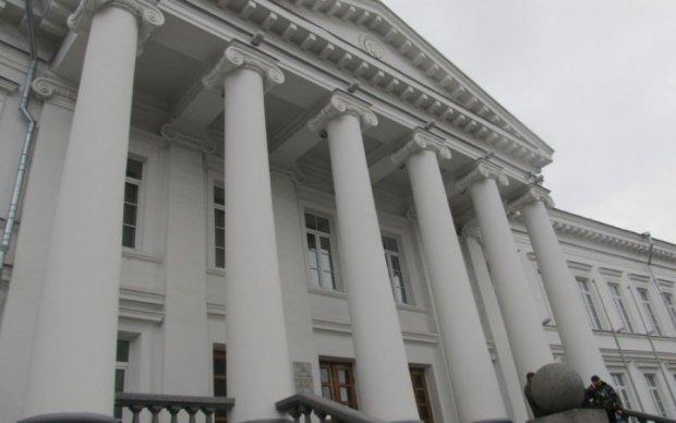 Полтавські активісти заблокували міськраду