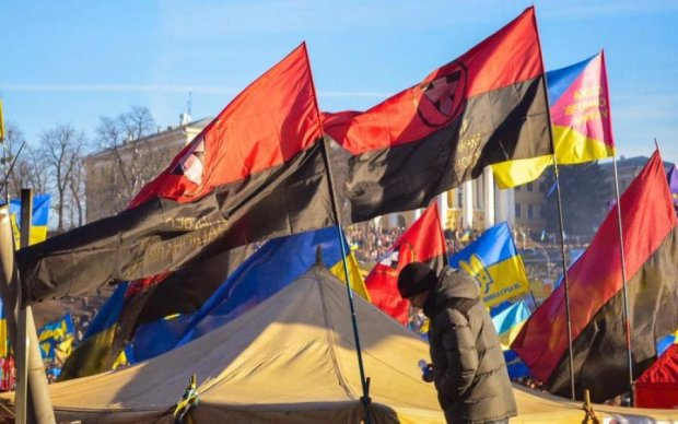 Символика УПА: украинцам пообещали проблемы