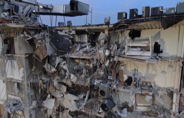 Обвал дома в Майами, кадр из видео
