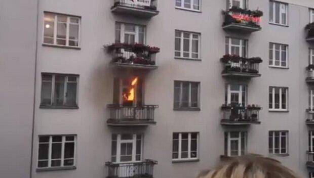 Националисты забросали фаерами балкон феминистки, но промахнулись и сожгли другую квартиру