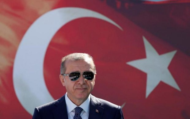Эрдоган снова официально уселся на трон