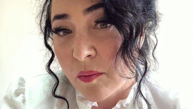 """55-річна Лоліта спробувала бути спокусливою, в мережі дивуються: """"Це баба або транс?"""", """"Жах!"""""""