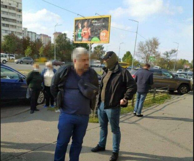 """В Киеве поймали оборотня в погонах, украинцы в ярости: """"Три тысячи и дела нет"""""""