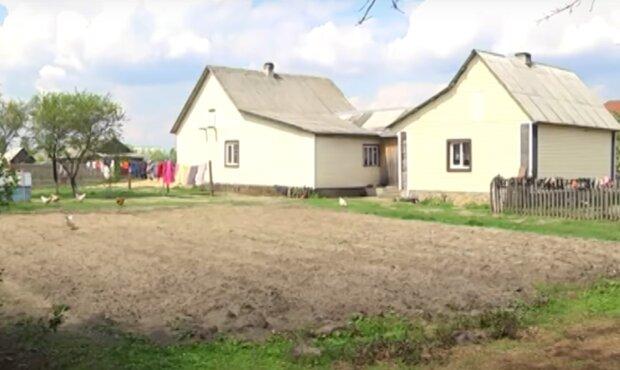 """Украинка родила 19 детей, муж хочет еще: """"У моего отца тоже было 15"""""""