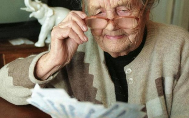 Пенсионерам пообещали новую подачку: кого это коснется