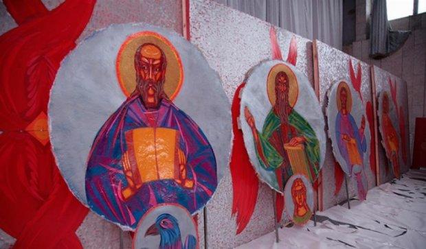 Сільську церкву розписав найдорожчий український художник (фото)
