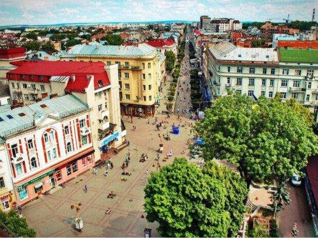 Погода в Ивано-Фанковске на 29 августа: жара отступит, но не спешите нырять в куртки