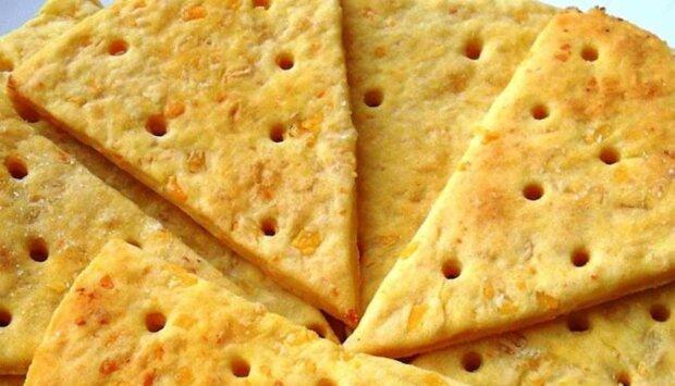 Домашній сирний крекер, фото: instagram.com/mike.around.the.kitchen