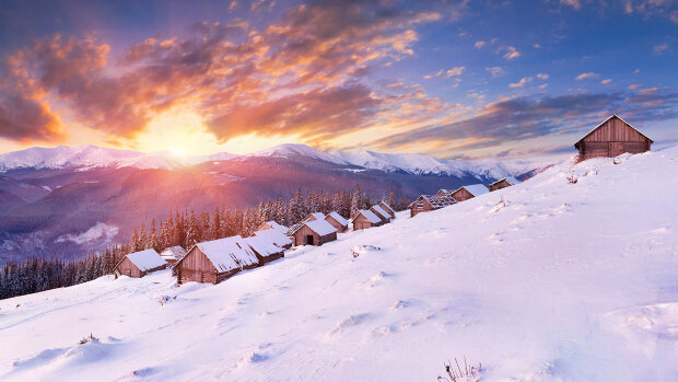 Новый год в Карпатах: сказочные кадры заснеженных гор подкинули украинцам идейку на праздники