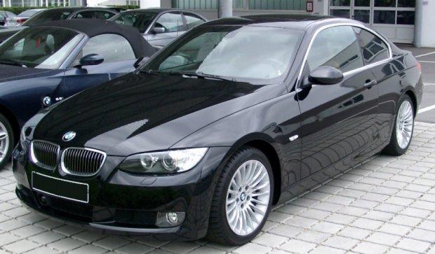 Вінницький офіцер за вкрадені у бійців гроші купив BMW